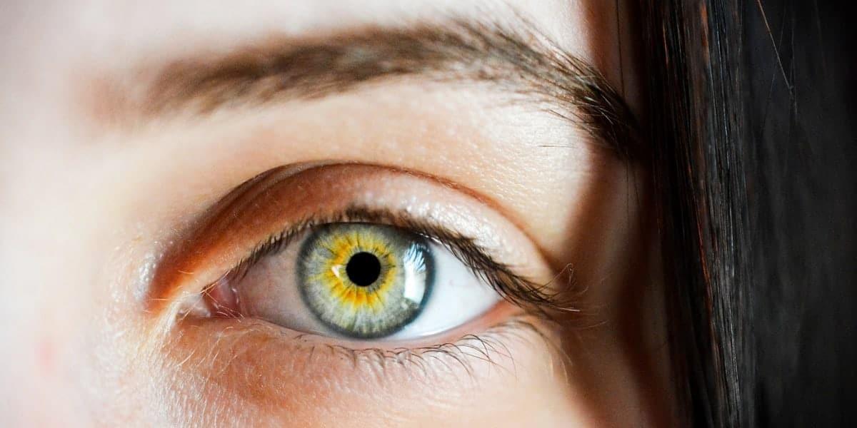 Undgå tørre øjne foran skærmen