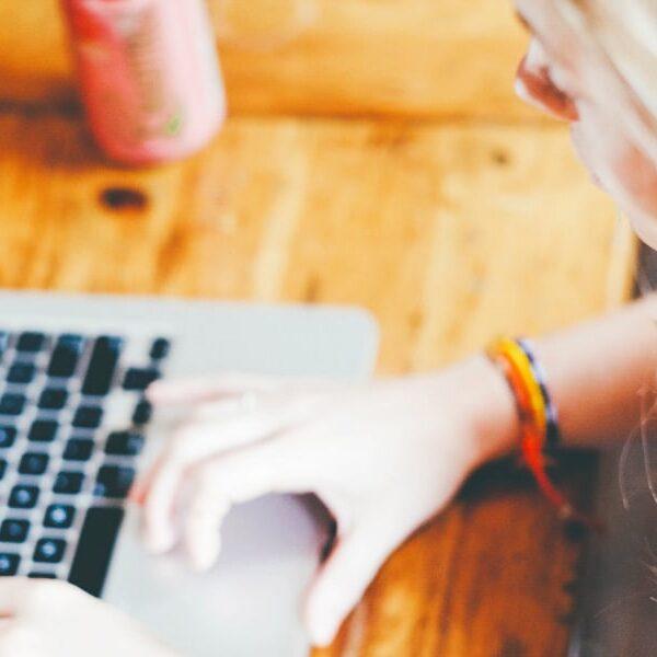 Hvordan har Corona skubbet til jeres erfaring med online konferencer?