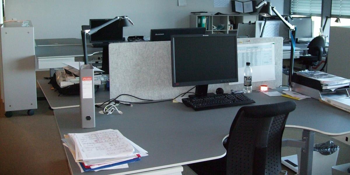 kedelige kontormiljøer